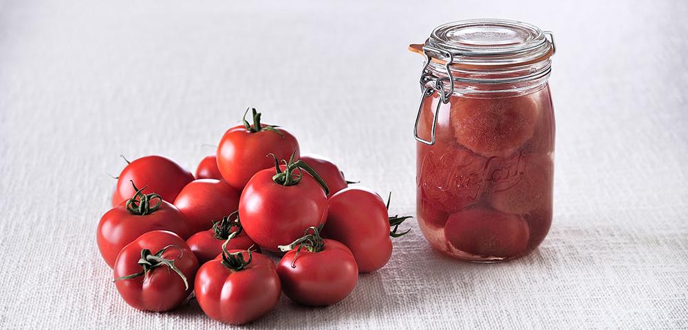 recette conserve de tomates enti res au naturel en bocaux le parfait. Black Bedroom Furniture Sets. Home Design Ideas