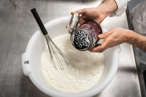 La Laiterie de Paris,  des yaourts et fromages fait main, qui font fondre le quartier de La Goutte d'Or